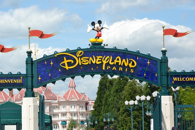 disney logo in disneyland paris
